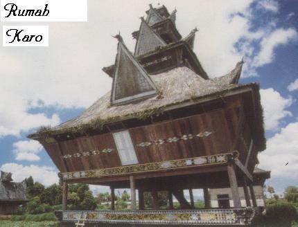 RUMAH ADAT KARO(KARO BATAK TRADITIONAL HOUSE)